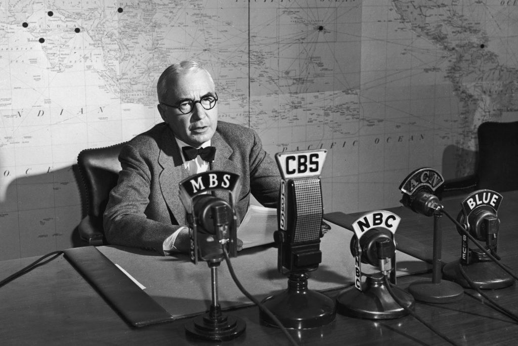 Elmer Davis delivering the news (ca. 1943)